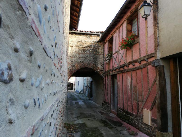 ruelle historique grenade sur 'ladour